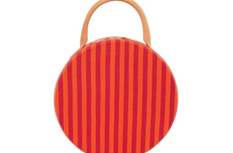 Be Bold In Your Style With This Stunning Springtime Bucket Bag