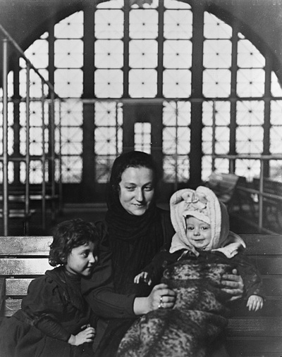 """Lewis Wickes Hine; """"A Russian Family Group at Ellis Island""""; 1905; Gelatin silver print; Amon Carter Museum, Fort Worth, Texas; P1981.78"""