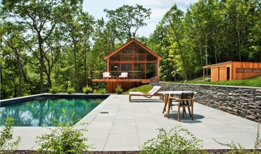 Hudson Woods Retreat Brings You Close to Nature