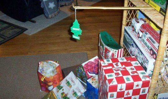 Don't miss this cool and creative Christmas tree ideas