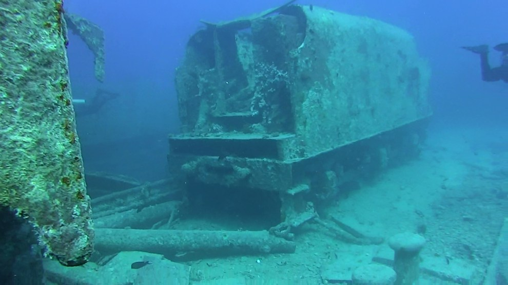 underwater-new-jersey-trains