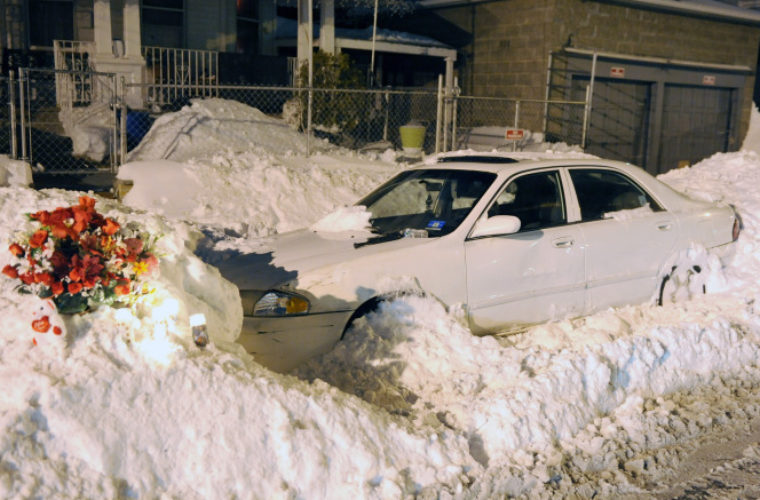 After An Accident In The Snow This Father Made One Fatal Error When Trying To Dig His Family Out