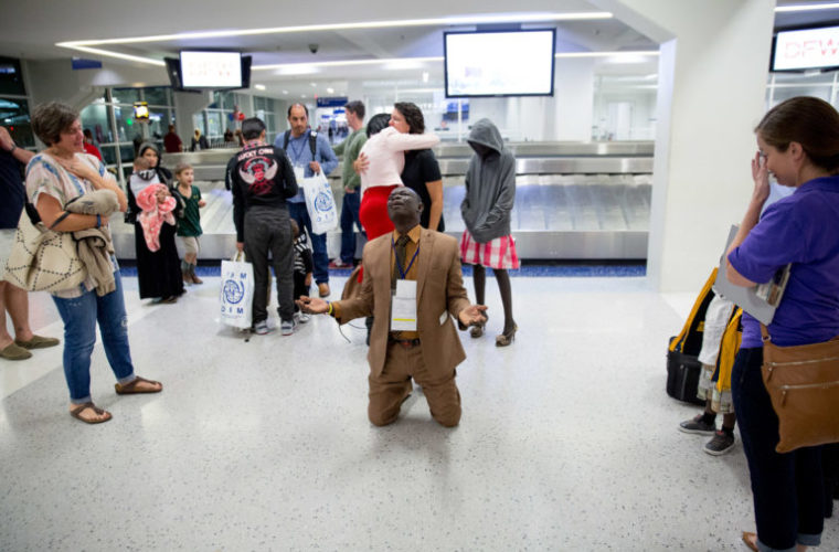 This Man Collapsed At An Airport When He Saw Who Was Waiting For Him