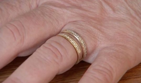 After Losing Her Anniversary Ring Ten Years Ago, A Woman Was Shocked by A Recent Discovery